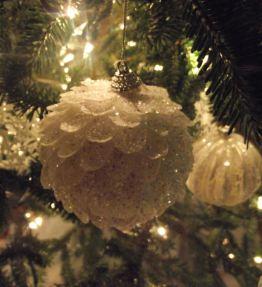 White Glitter Pinecones