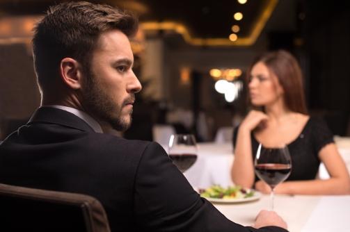 silent dinner date